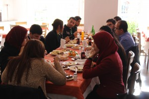 People_eating_in_Tunisia